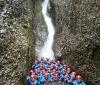 Unterm Wasserfall!