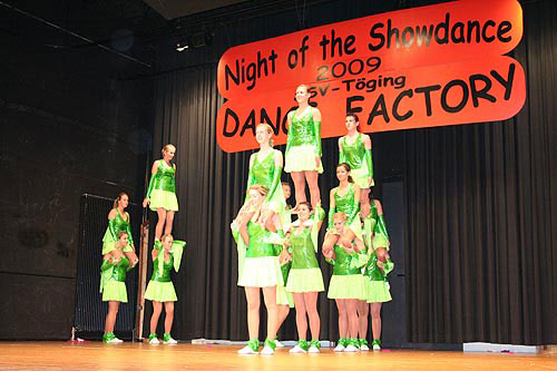 Night_of_the_Showdance_01